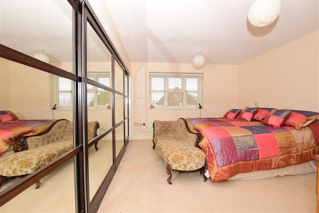 Thumbnail Detached house for sale in London Road, West Kingsdown, Sevenoaks, Kent