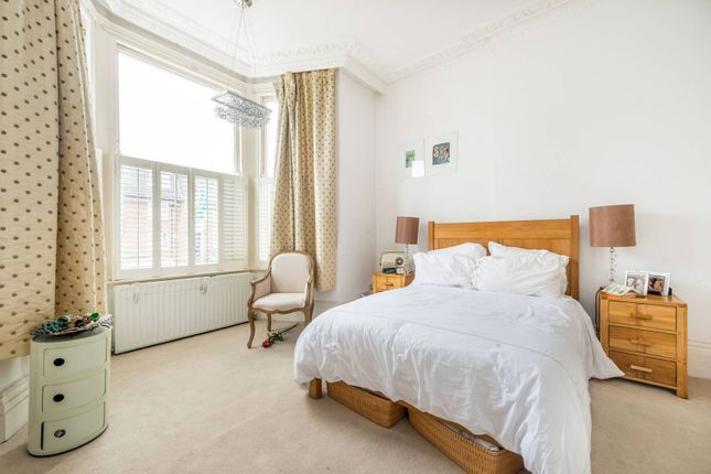 Thumbnail Flat for sale in The Barons, St Margarets
