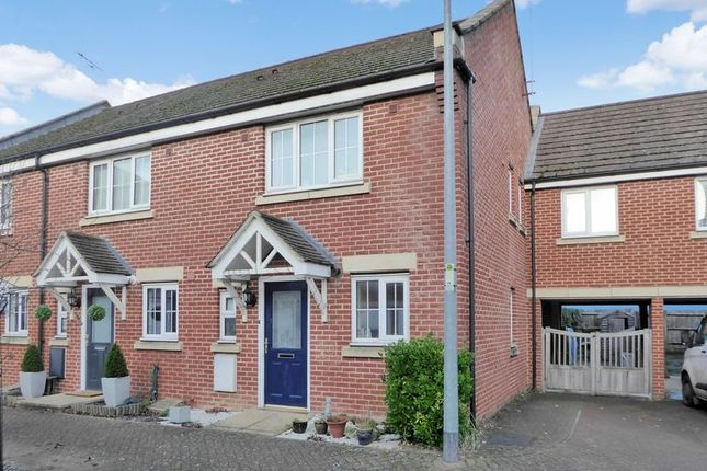 Thumbnail Terraced house for sale in Luton Road, Dunstable