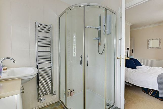 En Suite of Florida Close, Ferring, Worthing BN12