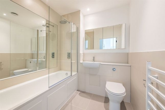 Bathroom 2 of Munster Road, London SW6