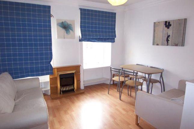 Living Room of West Nicolson Street, City Centre, Edinburgh EH8