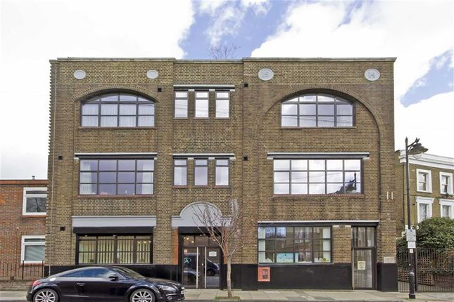 1 bed flat for sale in Elmore Street, London