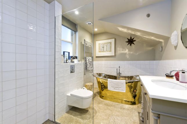 Bathroom of Elgin Crescent, London W11