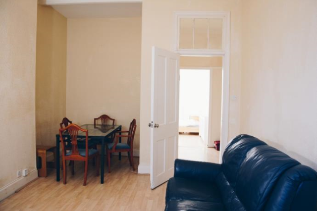 Thumbnail Flat to rent in Dumbarton Road, Glasgow G14,