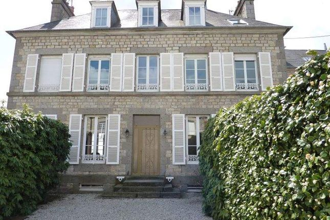 6 bed town house for sale in 61700 Domfront, France