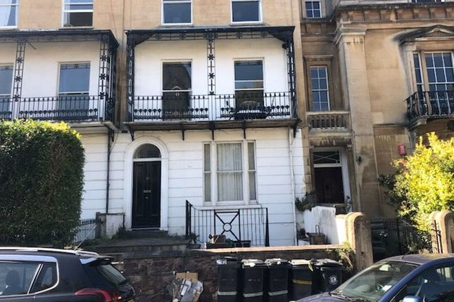 Thumbnail Flat to rent in Richmond Park Road, Clifton, Bristol