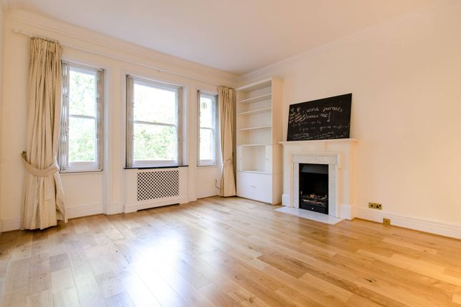 2 bed flat to rent in Sloane Gardens, Chelsea