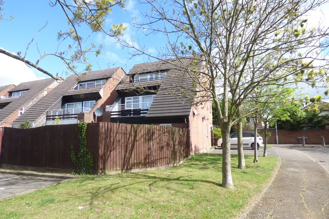 Thumbnail Flat to rent in Abingdon Court, Basildon