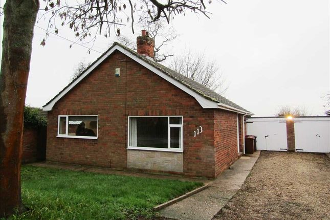 Thumbnail Detached bungalow to rent in High Street, Burringham, Scunthorpe