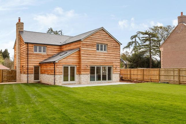 Thumbnail Detached house for sale in Peppard Common, Oxfordshire