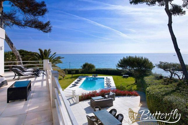 Thumbnail Detached house for sale in Antibes, France