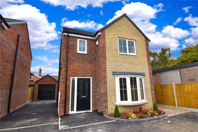3 bed detached house for sale in Warwick Avenue, Carlton In Lindrick S81