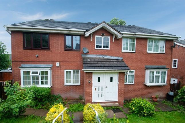 Flat for sale in Sycamore Fold, Leeds, West Yorkshire