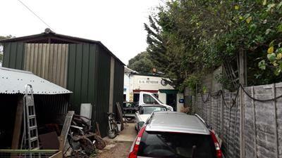 Photo 2 of Turgis Green Garage, Turgis Green, Basingstoke RG27