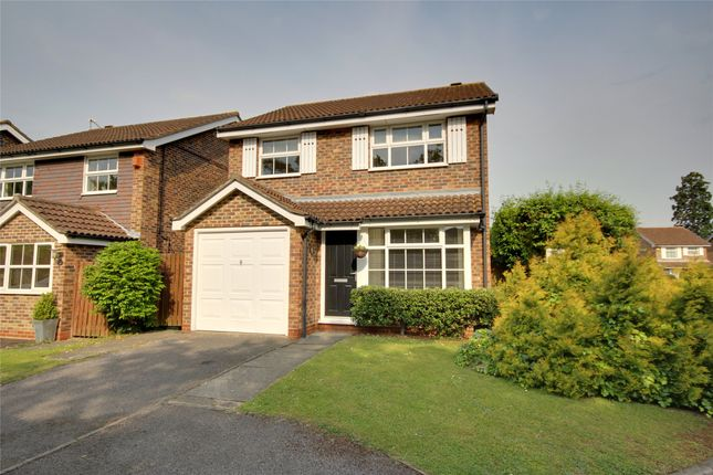 Thumbnail Detached house to rent in Cabbell Place, Addlestone, Surrey