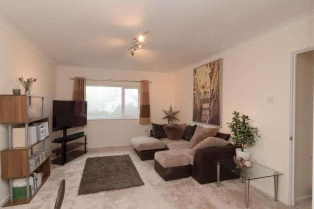 Thumbnail Flat for sale in Uplands Park Road, Rayleigh, Essex