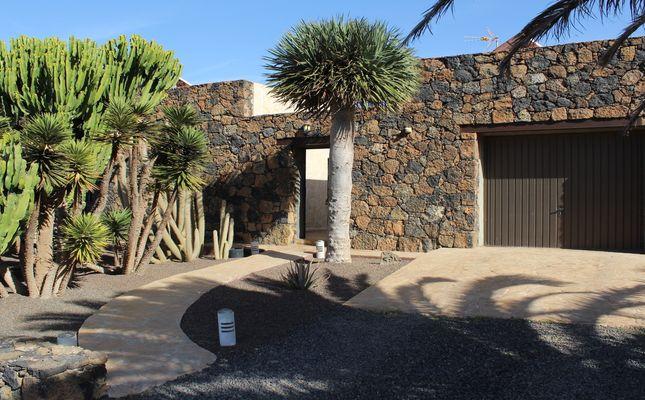 Thumbnail Villa for sale in Los Riquetes, Villaverde, Canary Islands, Spain
