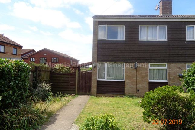 Thumbnail Semi-detached house to rent in Pyms Way, Sandy