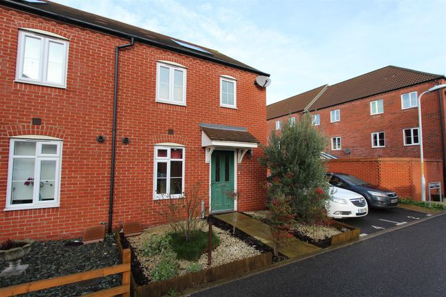 Thumbnail Property to rent in Hildesley Close, Sittingbourne