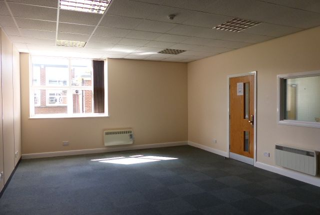 Thumbnail Office to let in Leyland House, Lancashire Business Park, Leyland