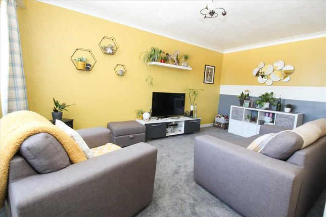 Thumbnail Flat for sale in Winshields, Collingwood Chase, Cramlington