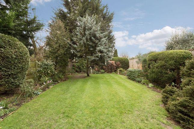 Photo 8 of Woodend Gardens, Enfield EN2