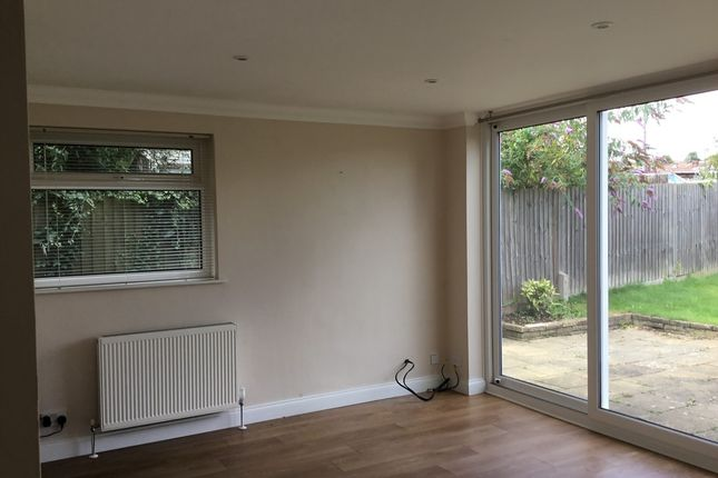 Thumbnail Detached bungalow to rent in Pende Close, Sompting, Lancing