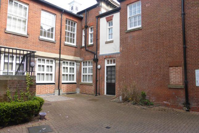 Thumbnail Flat to rent in Elm Street, Ipswich