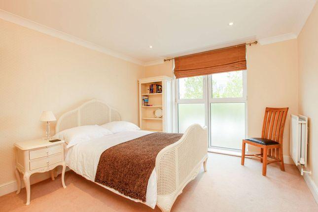 Thumbnail Flat to rent in Creswell Drive, Beckenham