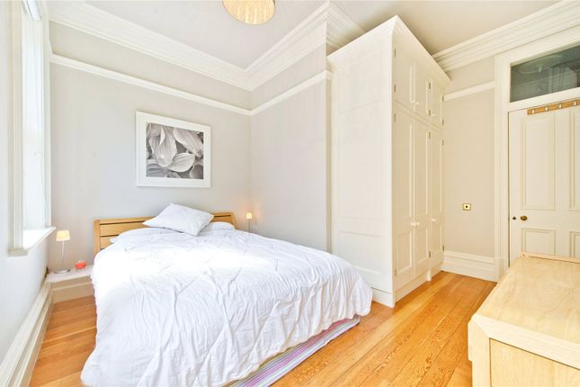 Thumbnail Flat to rent in Bedford Court Mansions, Bedford Avenue, London