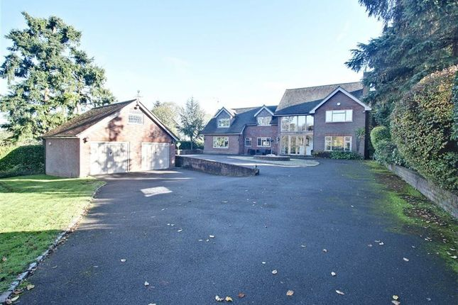 Thumbnail Detached house for sale in Broomfield Hill, Great Missenden