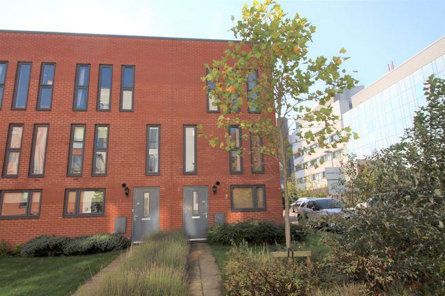 Thumbnail Town house to rent in Penn Way, Welwyn Garden City