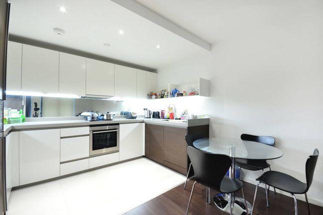 Flat for sale in Baltimore Wharf, Isle Of Dogs, London
