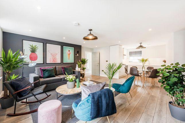 Thumbnail Flat to rent in Wardour St, London