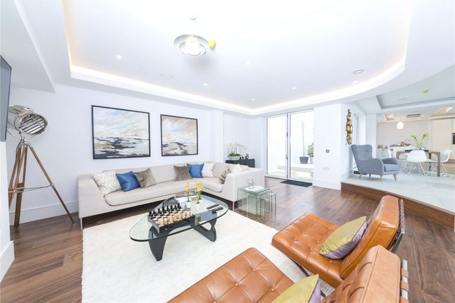 Thumbnail Property to rent in Sunlight Mews, Fulham, London