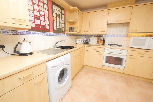 Kitchen of Ouse Close, Didcot OX11