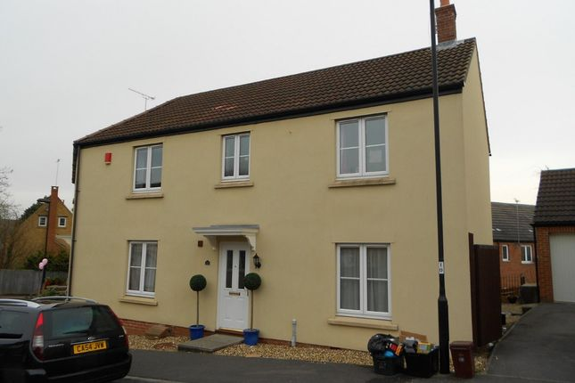 Thumbnail Semi-detached house to rent in Bell Chase, Yeovil