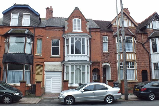 Thumbnail Flat for sale in East Park Road, Leicester