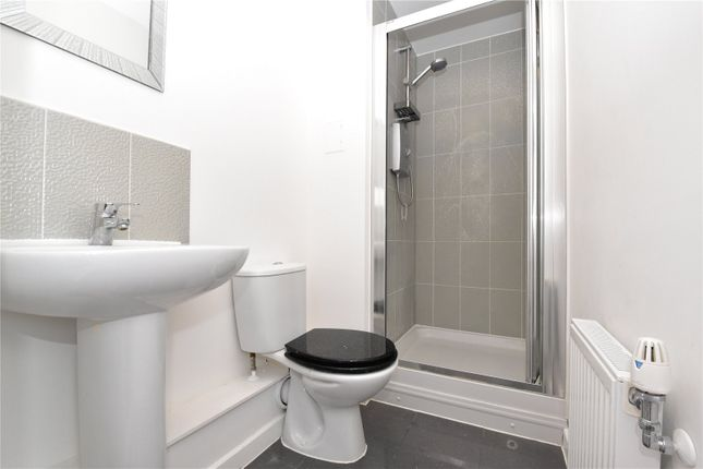 En-Suite of Darwin Avenue, The Bridge, Dartford, Kent DA1