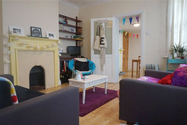 Thumbnail Semi-detached house to rent in Devonshire Road, Bexleyheath