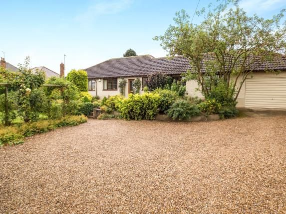 Thumbnail Bungalow for sale in Grantham Road, Radcliffe-On-Trent, Nottingham