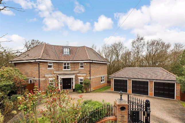 Thumbnail Detached house for sale in Fairgreen, Hadley Wood, Hertfordshire