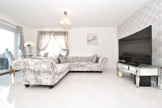 Living Area of Darwin Avenue, The Bridge, Dartford, Kent DA1