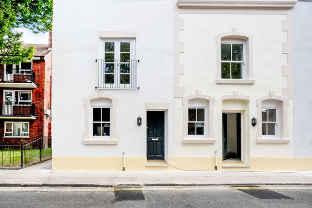 Thumbnail Town house for sale in Eldon Street, Southsea