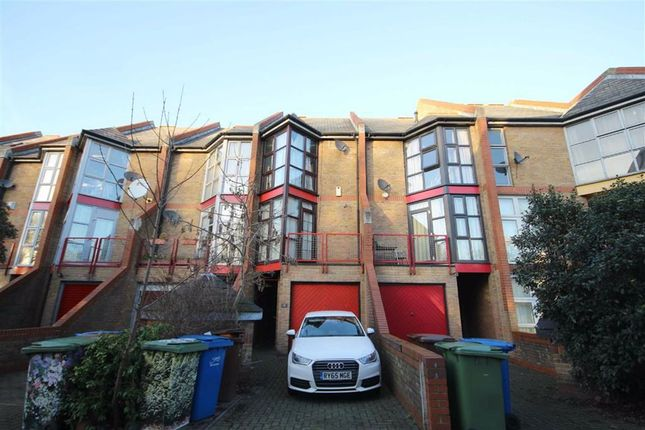 Holyoake Court, Bryan Road, London SE16
