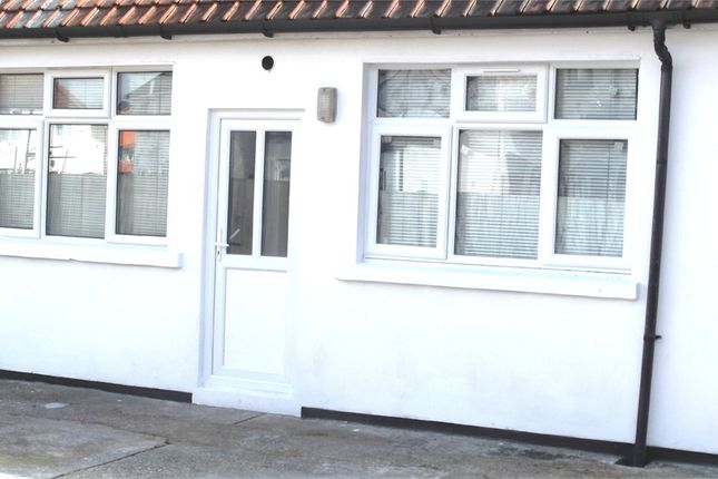 Thumbnail Flat to rent in Lancaster Walk, Hayes, Middlesex