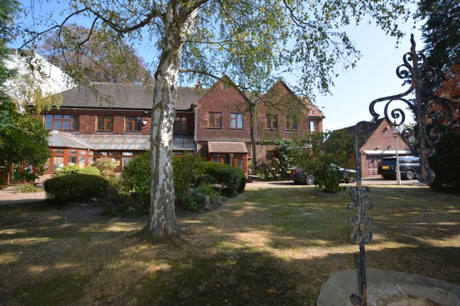 Thumbnail Detached house for sale in Elm Grove, Hornchurch