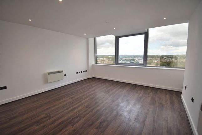 1 bed flat to rent in 11th Floor Churchill Place, Churchill Way, Basingstoke RG21