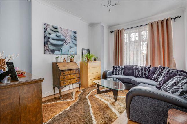 Thumbnail Flat to rent in Grafton Road, London
